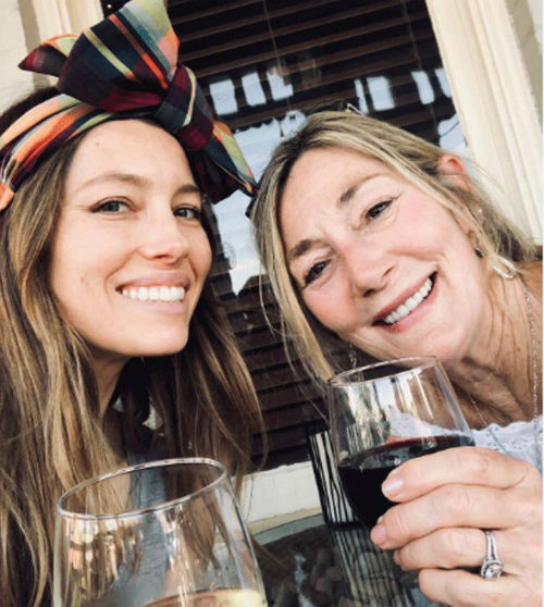 Jessica Biel with Mom Kimberly Conroe