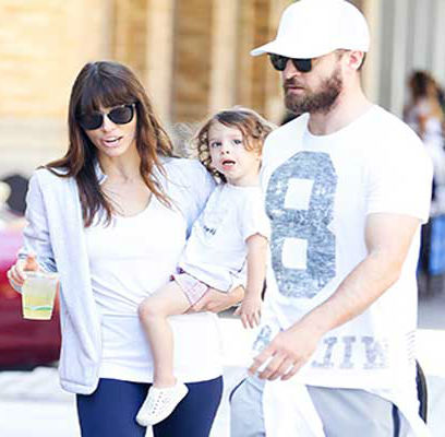 Justin with son Silas, wife Jessica Biel